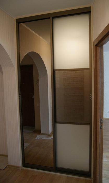 Встроенные шкафы-купе-Шкаф-купе с зеркалом «Модель 114»-фото1