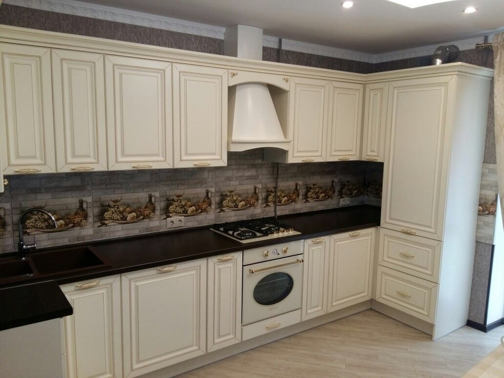 Белый кухонный гарнитур-Кухня МДФ в ПВХ «Модель 146»-фото1