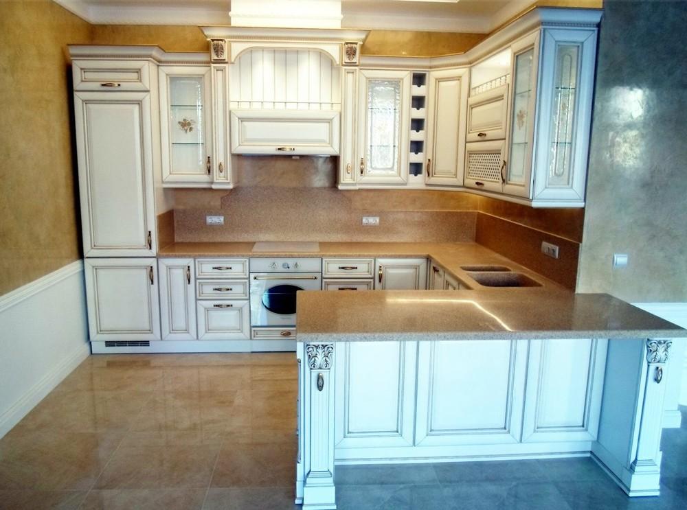 Белый кухонный гарнитур-Кухня из массива «Модель 152»-фото1