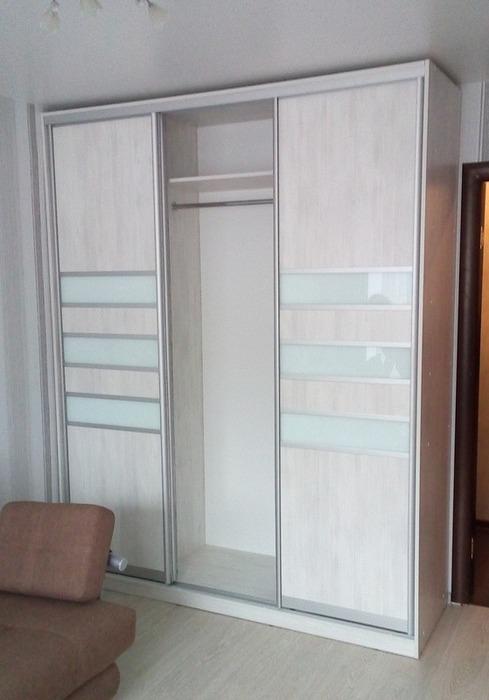 Белые шкафы-купе-Шкаф-купе из стекла Лакобель «Модель 41»-фото3