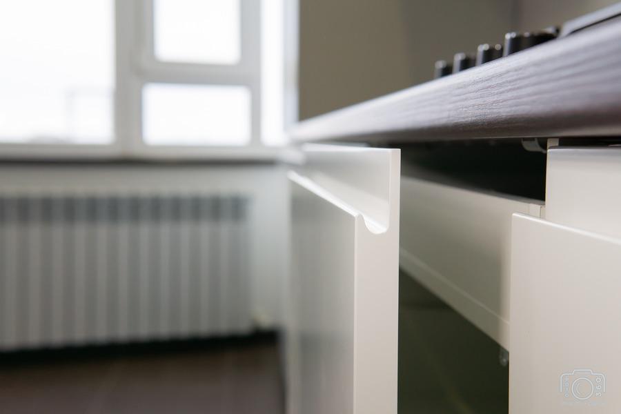Белый кухонный гарнитур-Кухня МДФ в эмали «Модель 6»-фото7