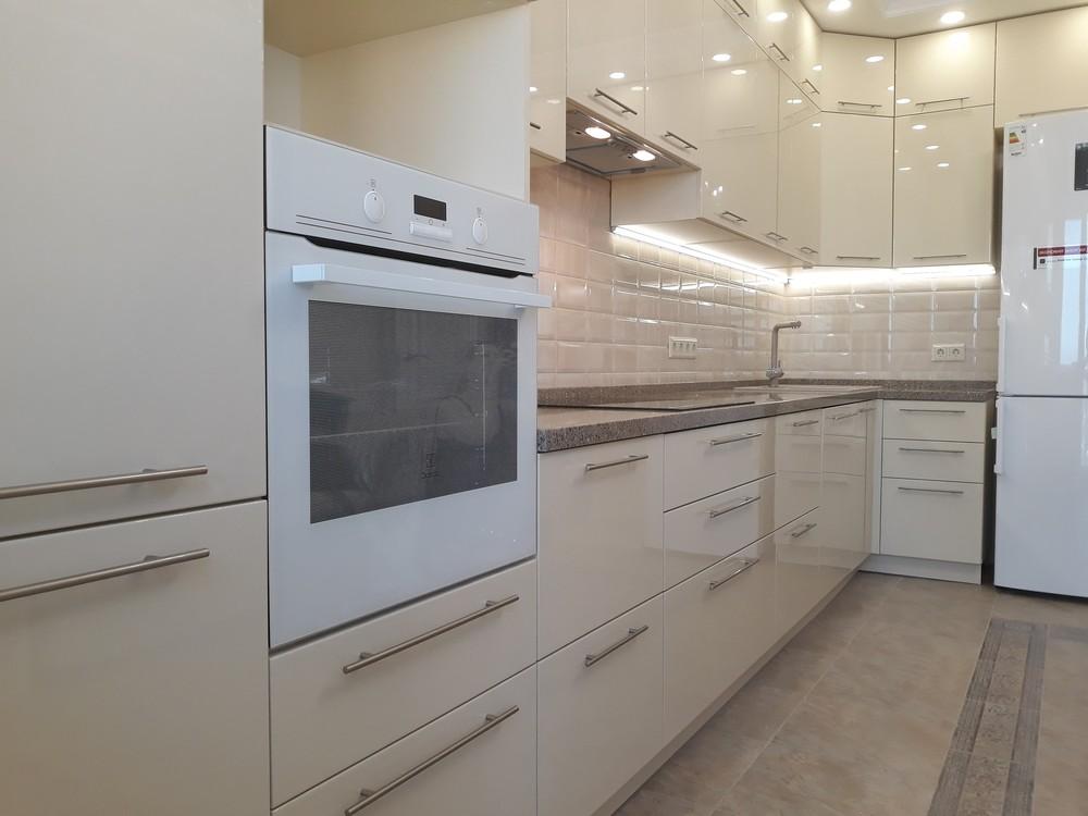 Белый кухонный гарнитур-Кухня МДФ в ПВХ «Модель 279»-фото2