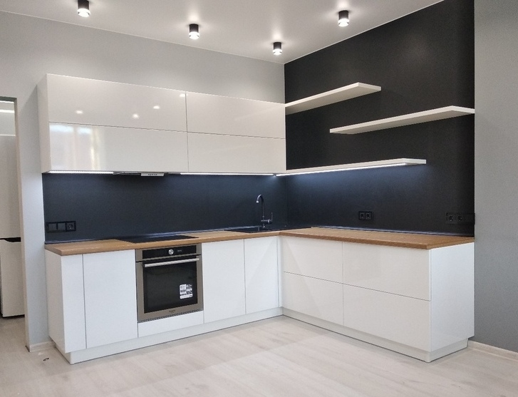 Белый кухонный гарнитур-Кухня МДФ в эмали «Модель 443»-фото1