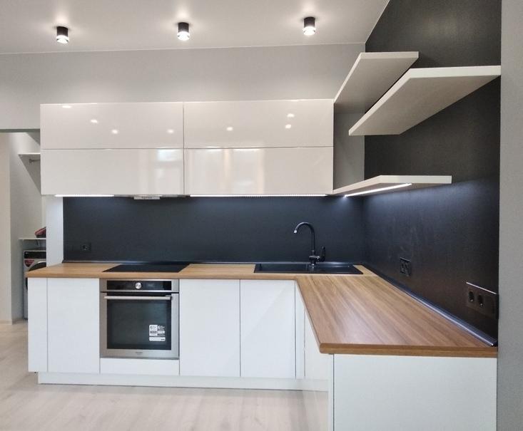 Белый кухонный гарнитур-Кухня МДФ в эмали «Модель 443»-фото2
