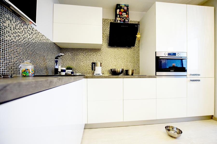 Белый кухонный гарнитур-Кухня МДФ в эмали «Модель 409»-фото3
