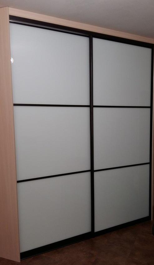 Белые шкафы-купе-Шкаф-купе из стекла Лакобель «Модель 393»-фото1