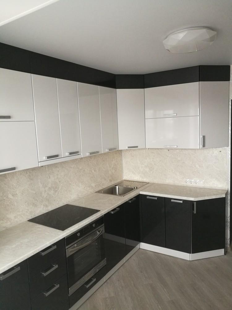 Белый кухонный гарнитур-Кухня МДФ в ПВХ «Модель 520»-фото1