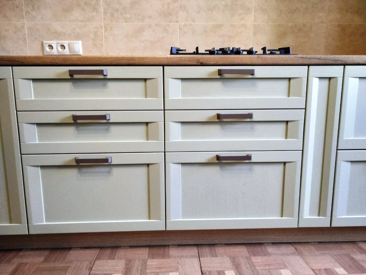 Белый кухонный гарнитур-Кухня из шпона «Модель 537»-фото4