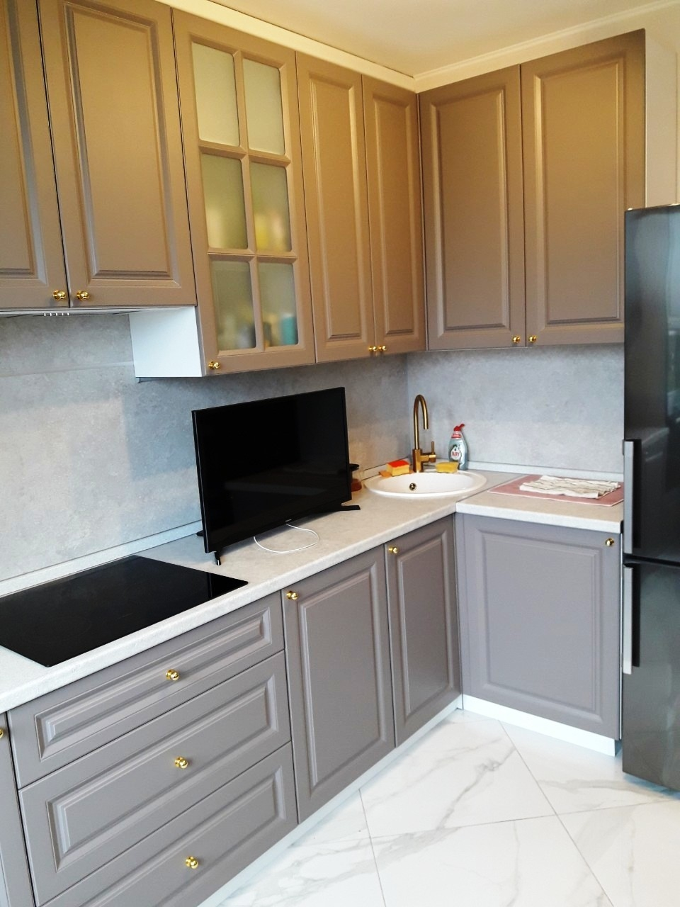 Встроенная кухня-Кухня МДФ в эмали «Модель 541»-фото2