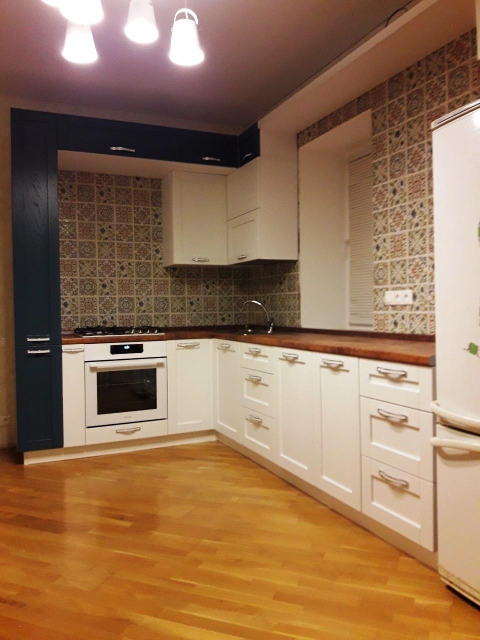 Белый кухонный гарнитур-Кухня МДФ в эмали «Модель 539»-фото2