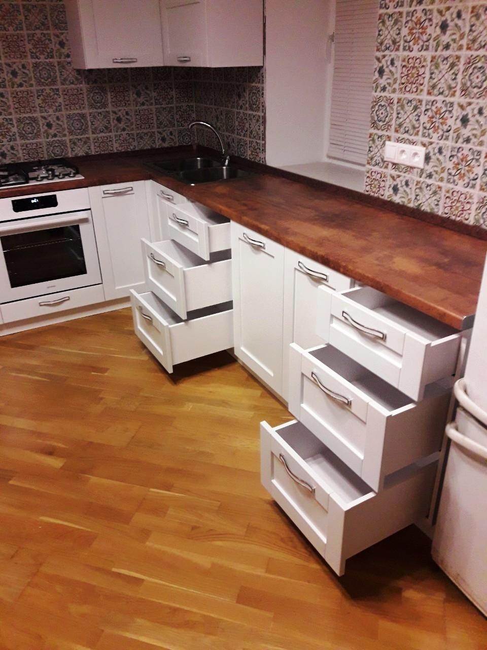 Белый кухонный гарнитур-Кухня МДФ в эмали «Модель 539»-фото5