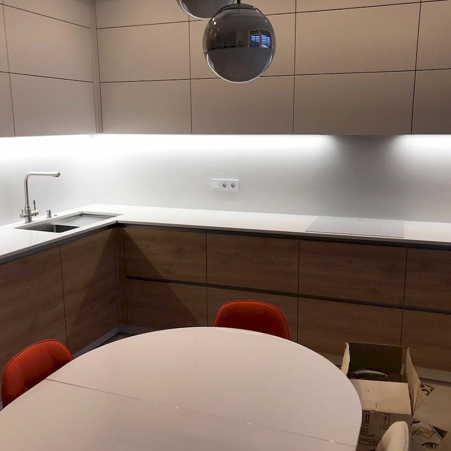 Белый кухонный гарнитур-Кухня из пластика «Модель 595»-фото3