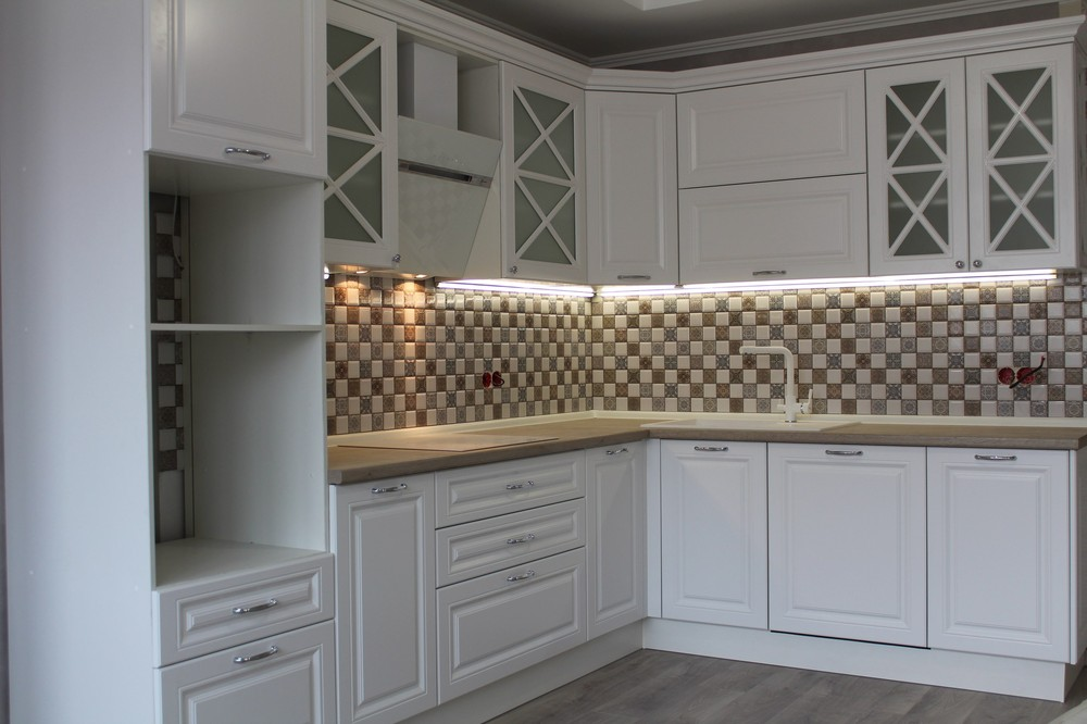 Белый кухонный гарнитур-Кухня МДФ в ПВХ «Модель 82»-фото1