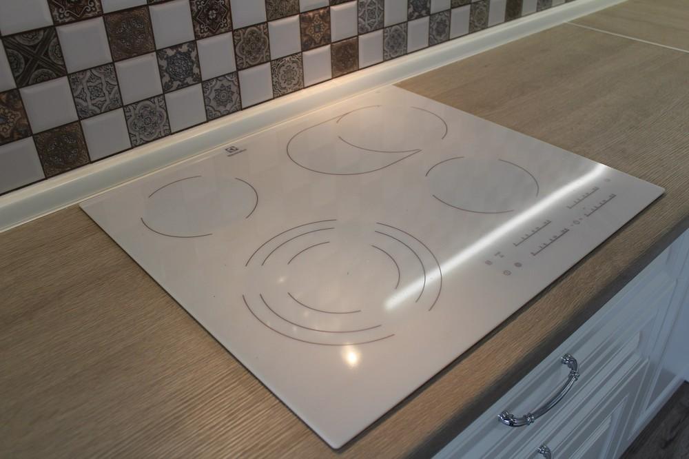 Белый кухонный гарнитур-Кухня МДФ в ПВХ «Модель 82»-фото7