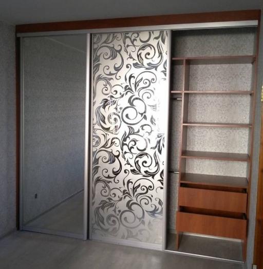 Бельевой шкаф-купе-Шкаф-купе с пескоструйным рисунком «Модель 244»-фото4