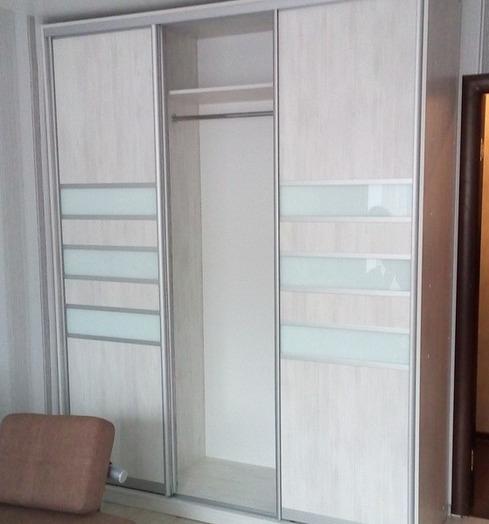Белые шкафы-купе-Шкаф-купе из стекла Лакобель «Модель 41»-фото4